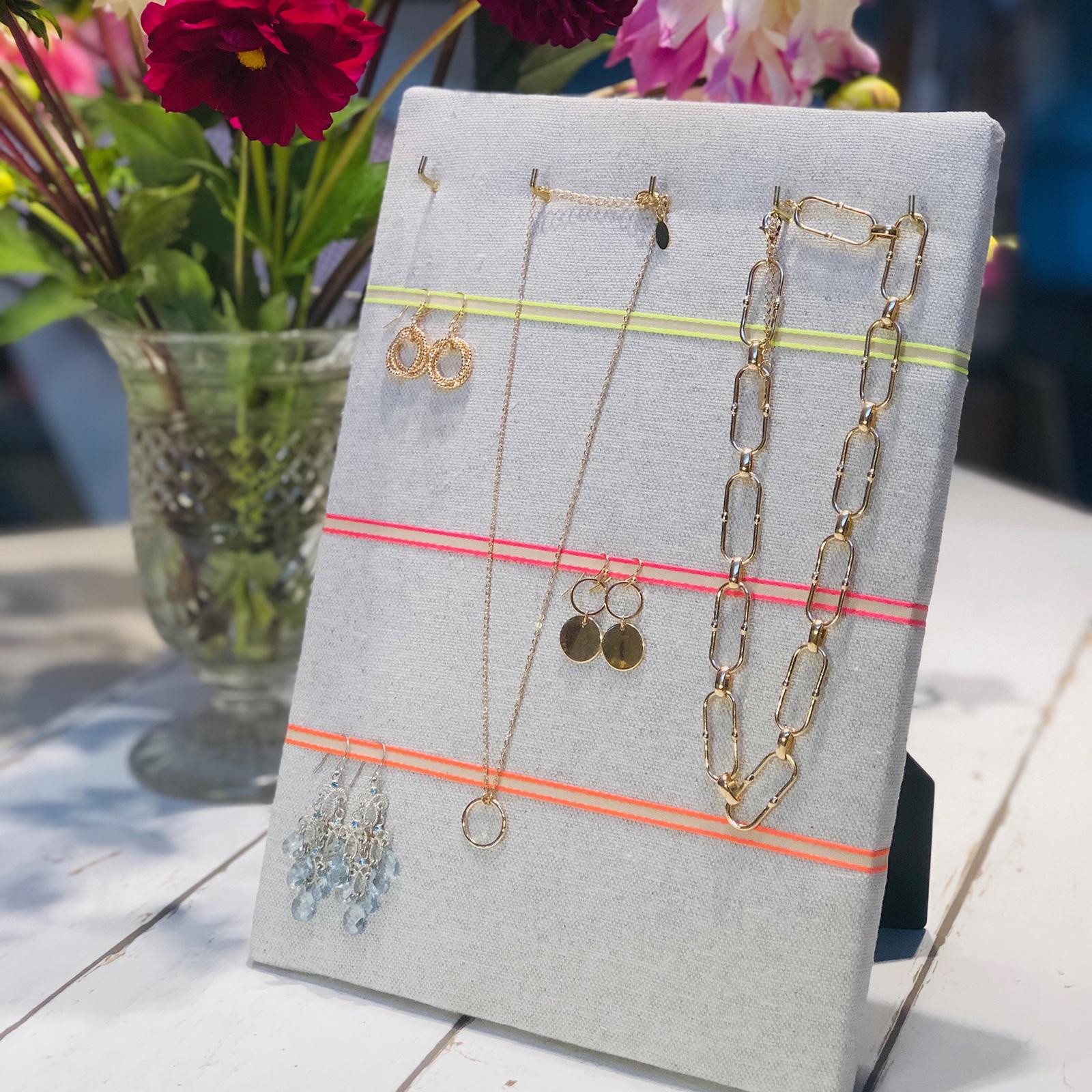 Hook & Hang Jewellery Board – Soft Grey / Neon Ribbon