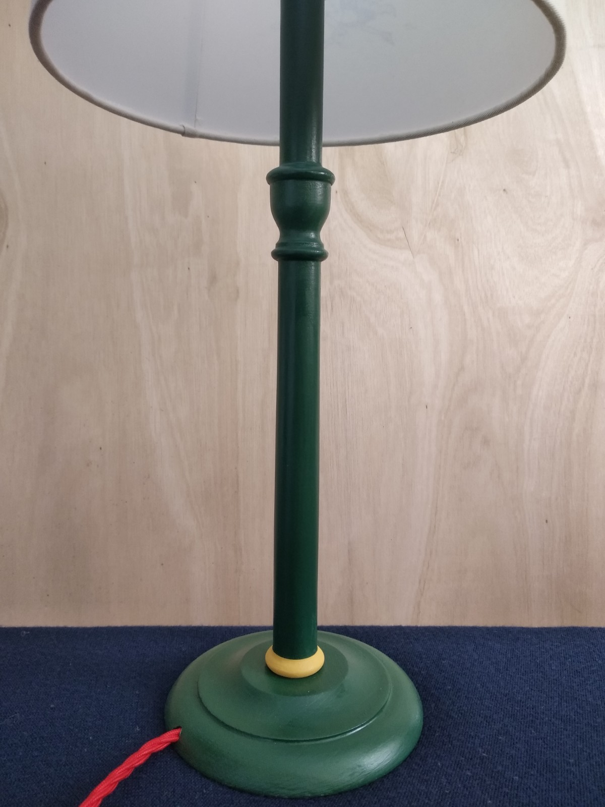 Lampstand for Empire shades Acorn